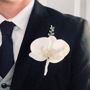 Glam White Boutonniere