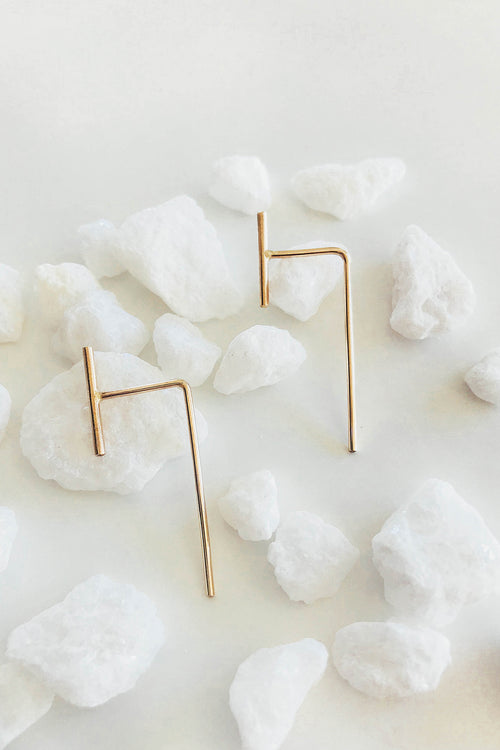 Dash Pull-Through Earrings