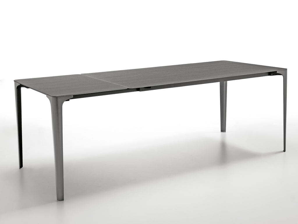 Infiniti design MAT table VERKOCHT