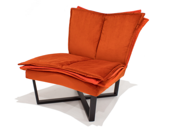 FLO lounge chair by Tessa Lauwaert | Moome