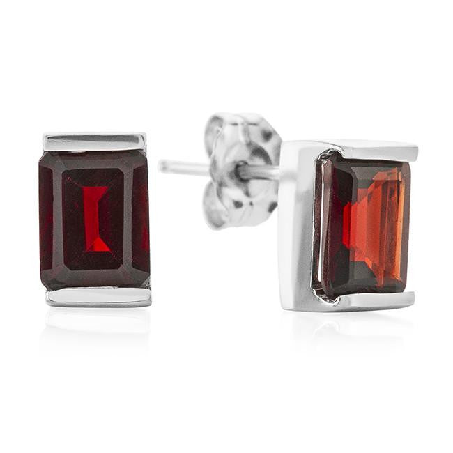 Emerald Cut Garnet in Sterling Silver