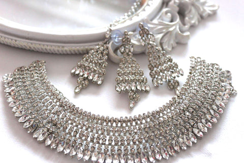 Saira Silver Necklace & Tikka Set