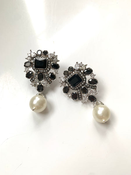 Nina Black and Pearl Earrings