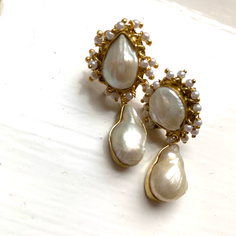 Kesha Oyster Pearl Earrings