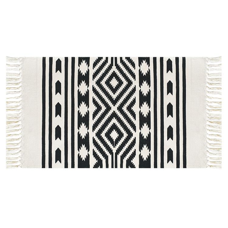 Black and White Pattern Aztec Accent Rug