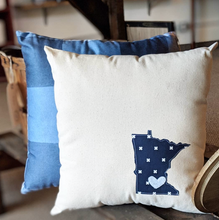 Minnesota Pattern Outline Pillow w/ Heart