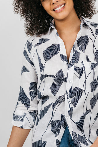 GIRLFRIEND SHIRT WHITE LINEN WITH NAVY PALM LEAVES