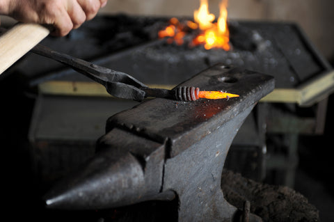 Top tools used by blacksmiths in forging and forges for Borderland Rustic Hardware Best tool anvil 2021 made in usa made in mexico by local artisans for diy creative projects and iron and steel forging