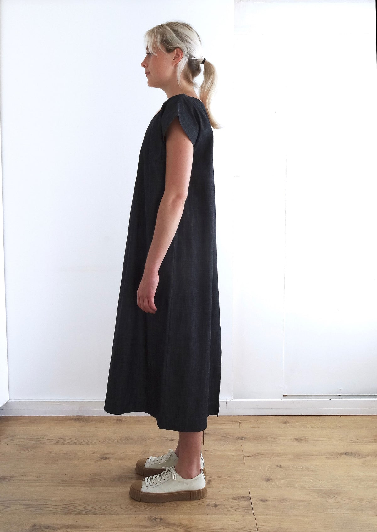 Pajotten simple sustainably made denim shift dress deep pocket and tie