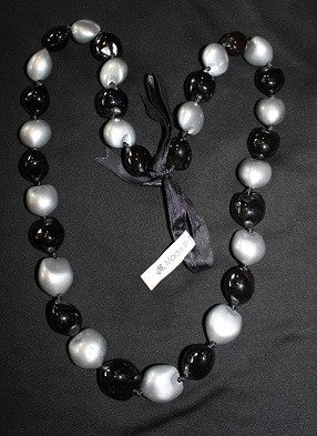 Black and Silver Kukui Lei