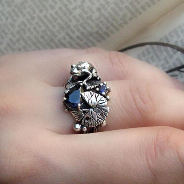 Frog in a Pond Ring