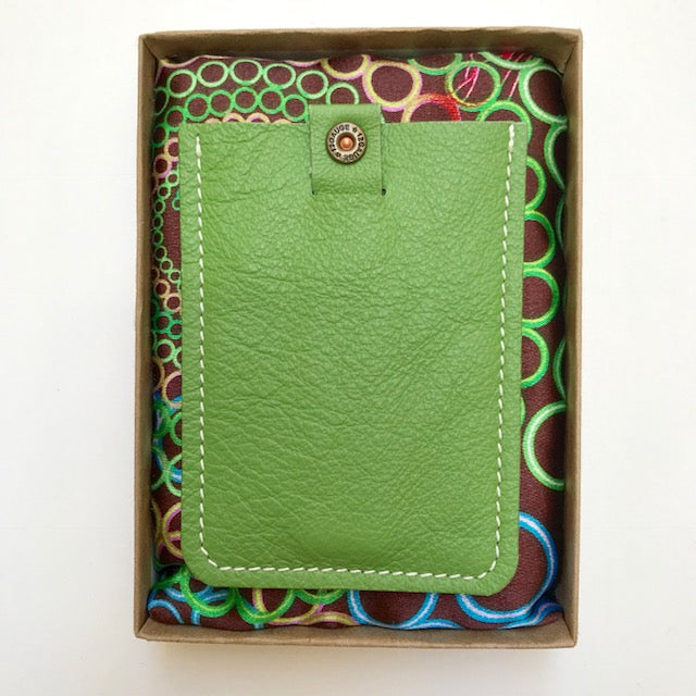 Wally Wallet With Bullet Detailing - Lime