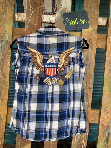 Small sleeveless Eagle appliquéd flannel