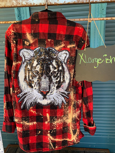 XLarge white sequined tiger Flannel