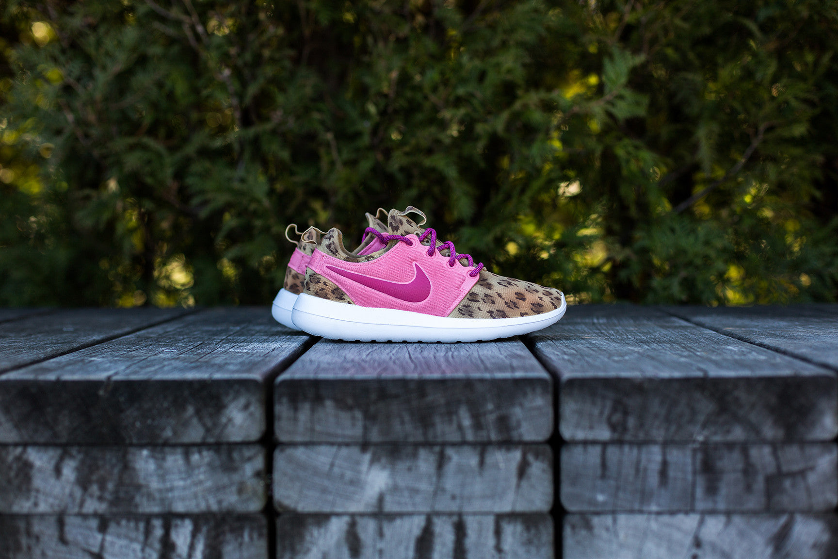 cheap for discount ef7ef 79f15 Nike Roshe Two