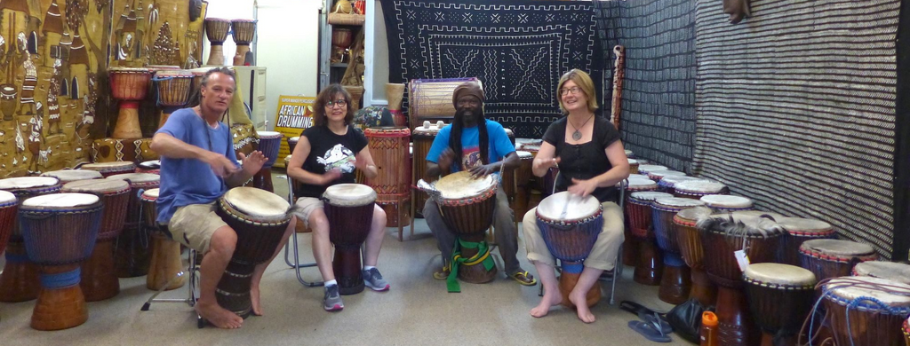 Free African drumming lesson after drum making workshop