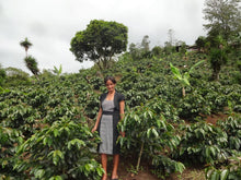 Honduras RAOS - Organic & Fair Trade - Woman Producing Farm