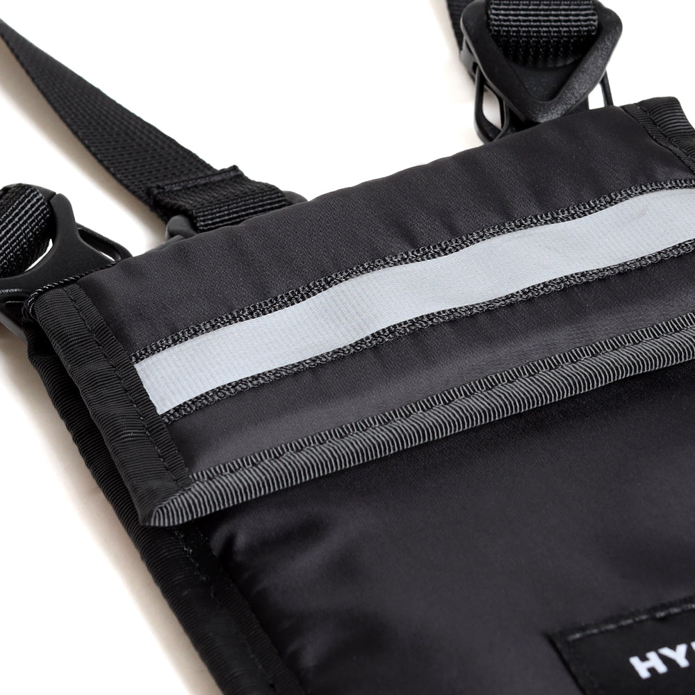 Seasonal Reflective Casper Neck Pouch | Black
