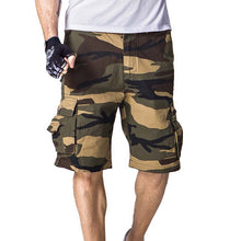 2017 New Big Size Camouflage Loose Cargo Multi-pocket shorts