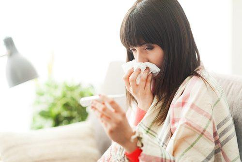 Natural ways to fight off coughs and colds