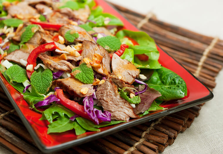 Fry Beef And Cashew Nut Salad