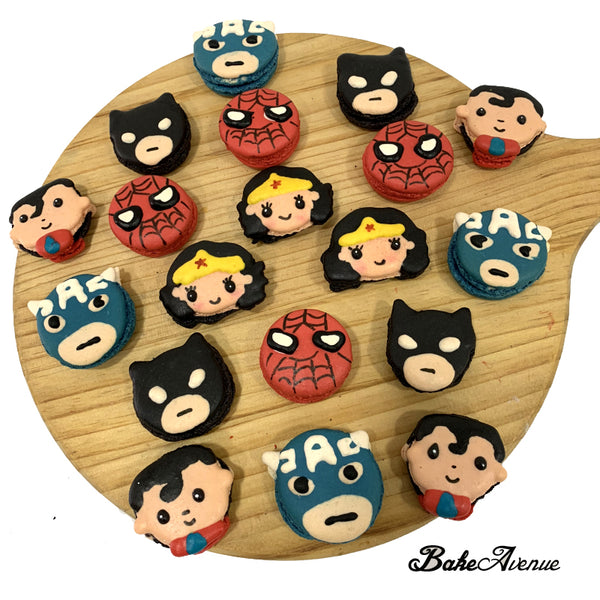 Superhero Macarons (Wonder Woman)