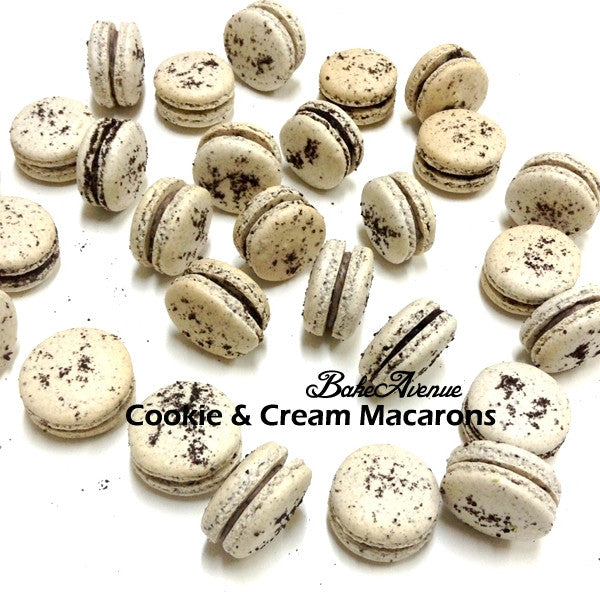 Cookie & Cream Macarons