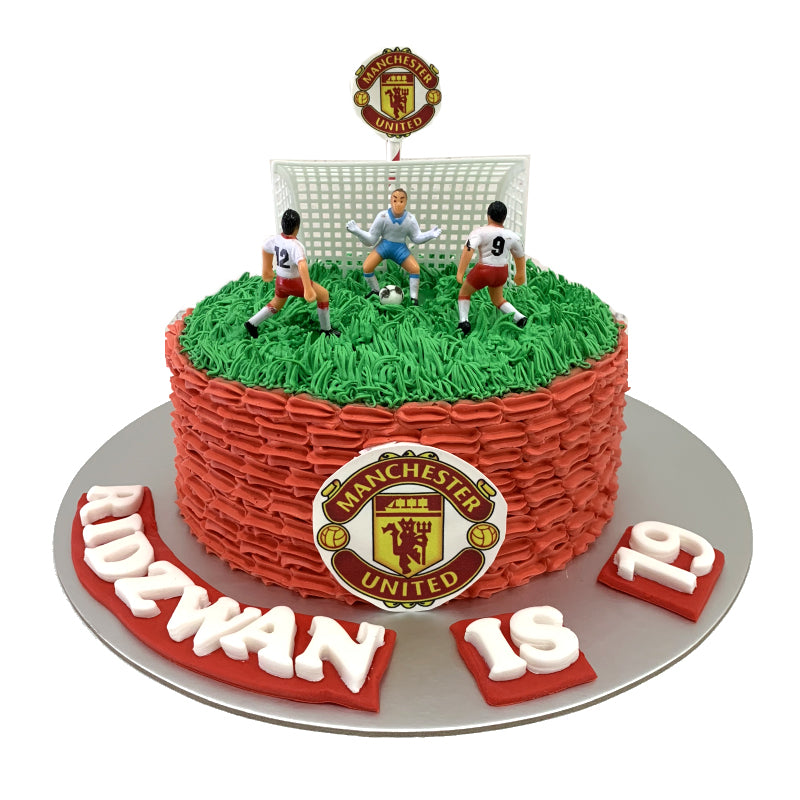 Sports Soccer Ombre Cake With Toppers Manchester United Football Bakeavenue