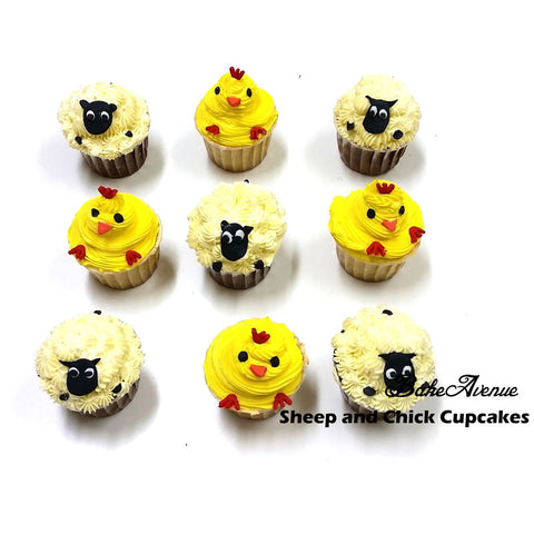 Barnyard Theme Cupcakes - Chicken