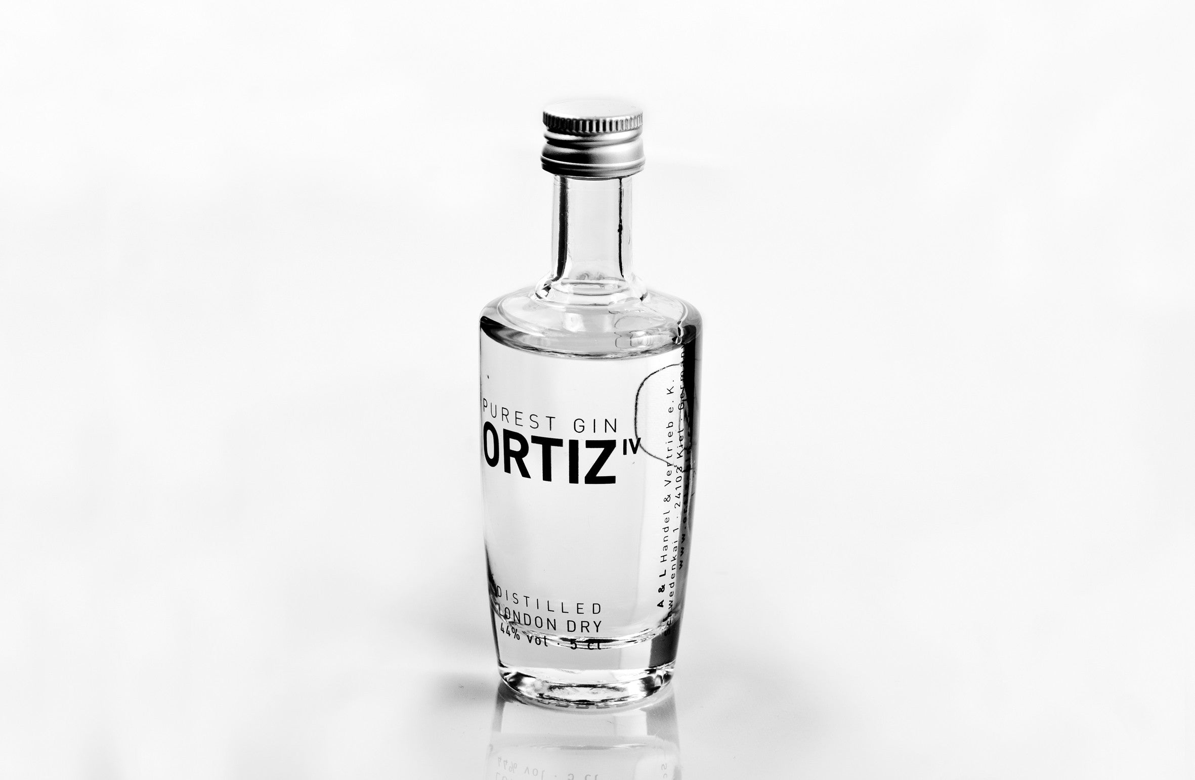 1 mini bottle<br>ORTIZ IV PUREST GIN<br>0.05l