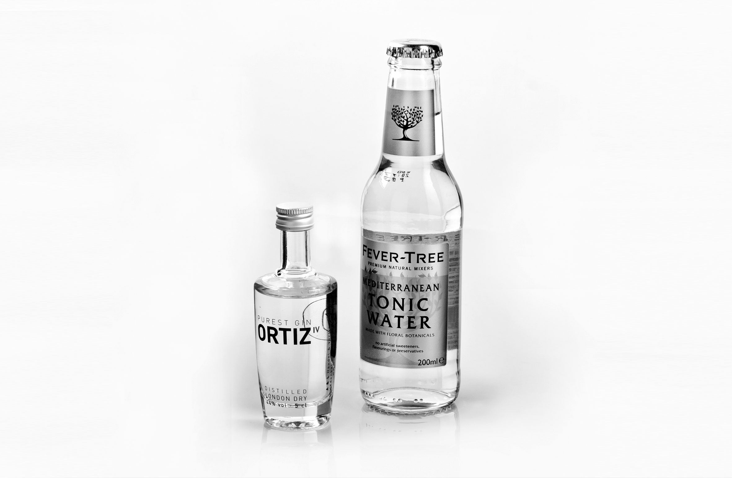 1 mini bottle ORTIZ IV PUREST GIN 0.05l incl. 1 mini bottle Fever Tree Tonic 0.2l