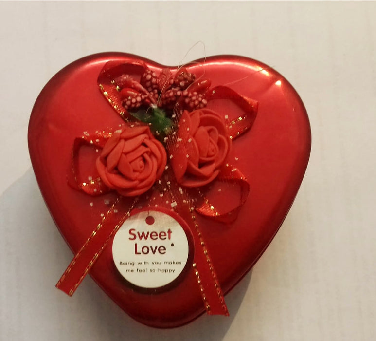 Chocolate Gift Box ( Heart Tin Box with Teddy and Plastic Roses)
