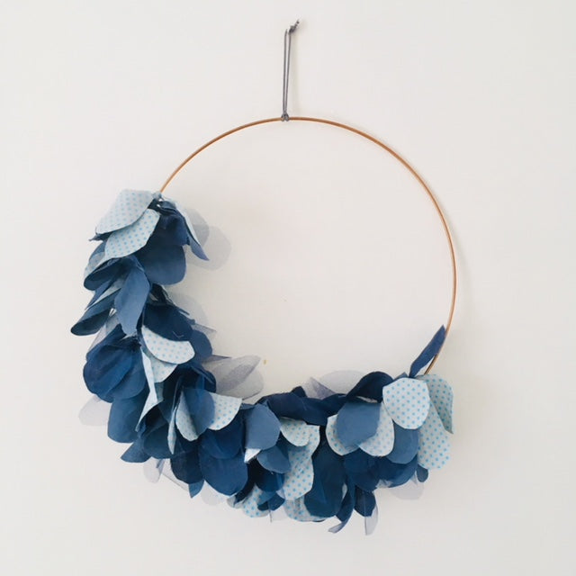 Wreath of fabric blue
