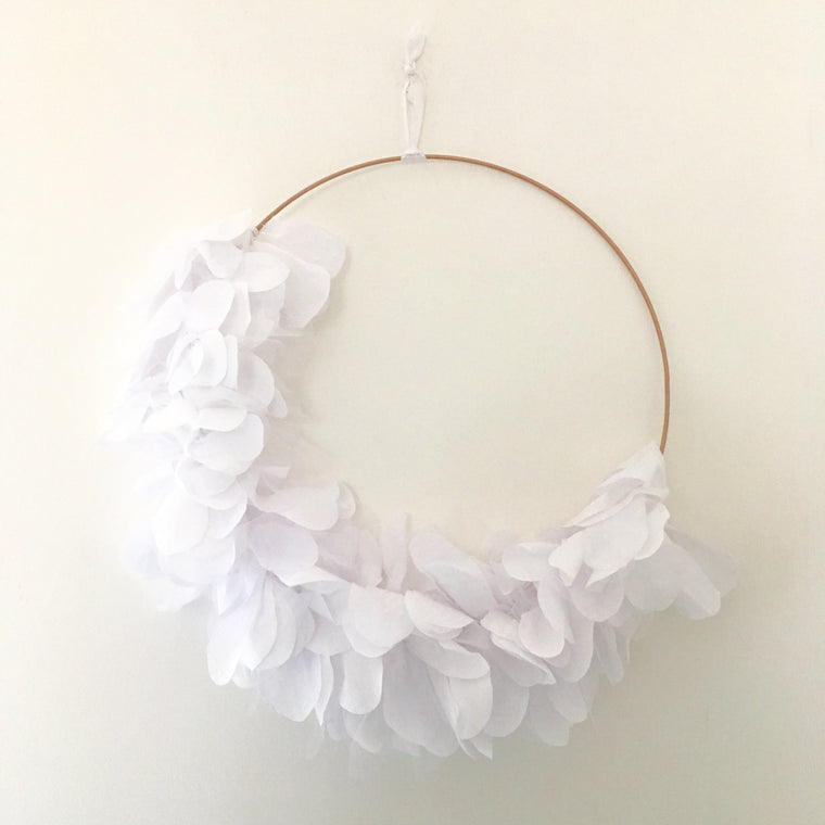 Wreath of fabric white