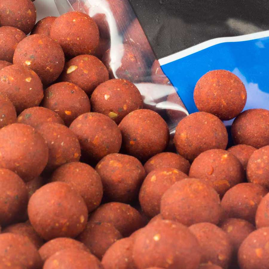 Urban Bait Red & Spicy Fish Boilies 12mm/14mm 1kg