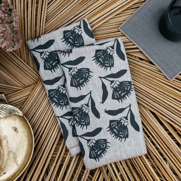 Thistle Napkin / Placemat in Gray