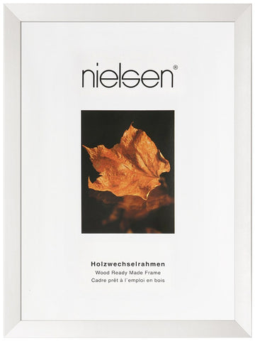 Nielsen Essentielles White Wooden A2 Picture Frame