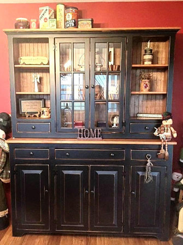 XL Country Hutch
