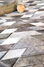 Illusion Patchwork Cowhide-rugs-Airloom