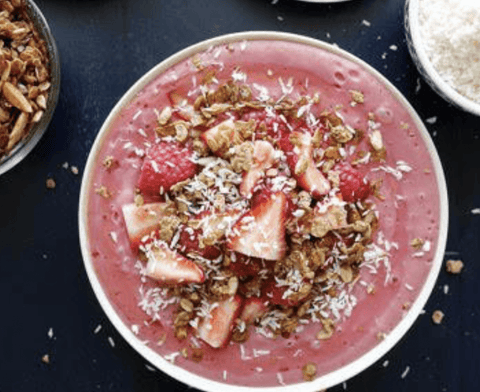 Almond and Raspberry Smoothie Bowl