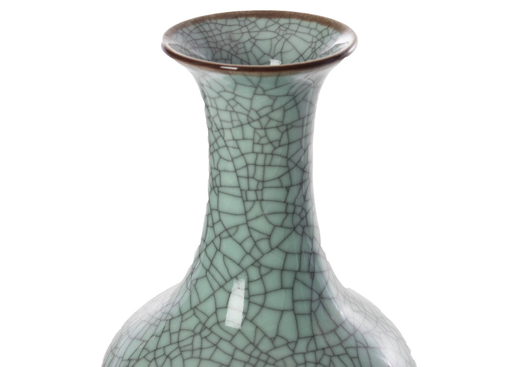 JADE CRACKLE VASE