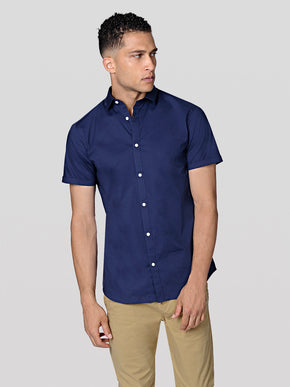 BASIC SLIM FIT SHORT-SLEEVE SHIRT