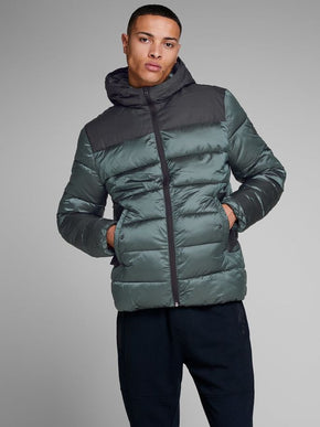 WATER-REPELLENT SHINY COLOURBLOCK JACKET