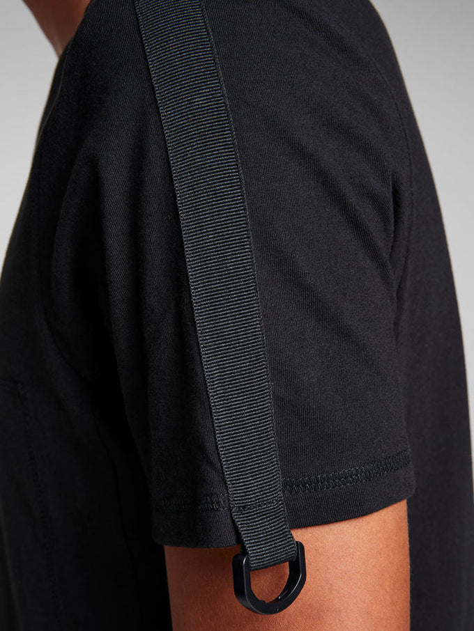 CORE T-SHIRT WITH BUCKLE DETAIL Black