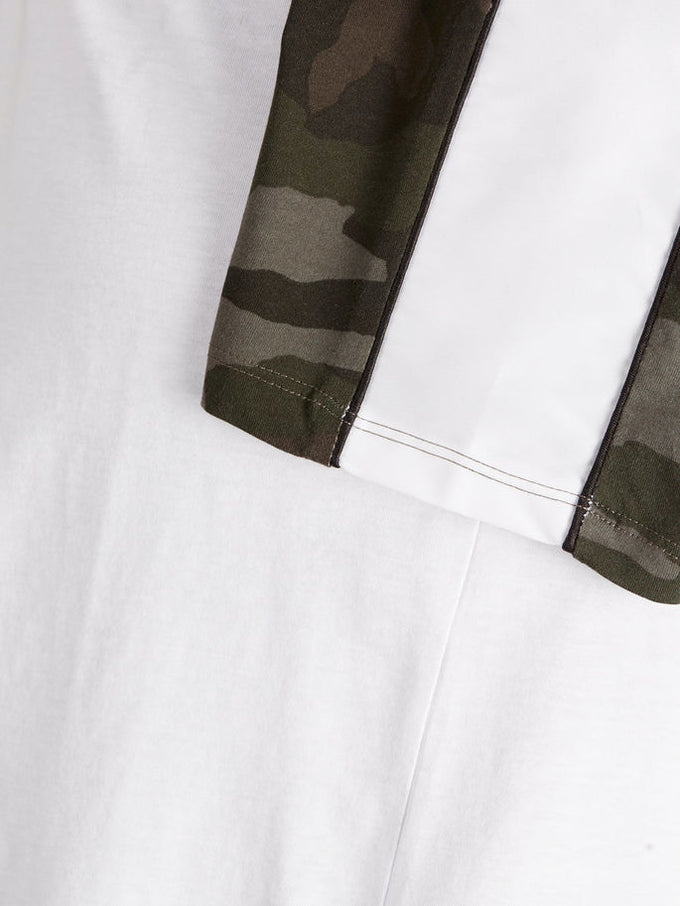 FINAL SALE – T-SHIRT WITH CAMO DETAILS White