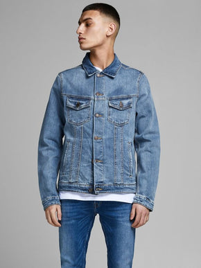 CLASSIC LIGHT BLUE DENIM JACKET