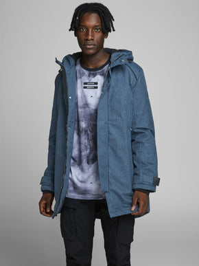 TONE-ON-TONE FISHTAIL PARKA
