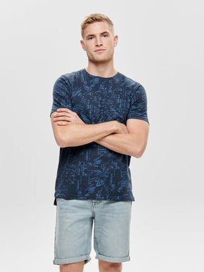 FINAL SALE – PATTERNED HIGH-LOW T-SHIRT