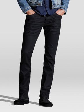 REGULAR FIT CLARK 935 JEANS