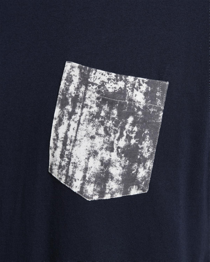 POCKET DETAIL T-SHIRT TOTAL ECLIPSE